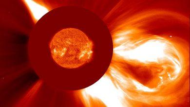 صورة علم عند حدود الشمس